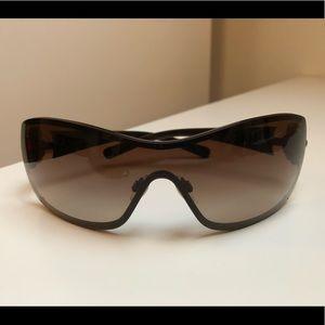 Chanel sunglasses 4164 b